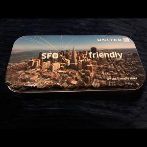 United AIRLINES: VIP SFO amenity kit